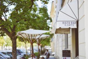restaurant-sidewalk-boardwalk-cafe
